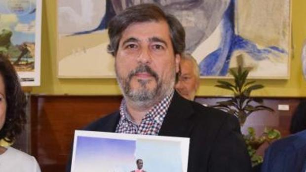 EMILIO ALONSO FELIZ GANA EL V PREMIO DE NOVELA PARA AUTORES NOVELES MANUEL DÍAZ VARGAS